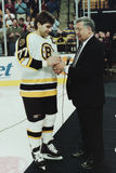 Ray Bourque und Johnny Bucyk Stockbilder