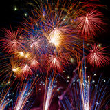 Rayas del fuego artificial en la noche Fotografía de archivo