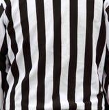 Rayas oficiales de la camisa del árbitro Imagen de archivo