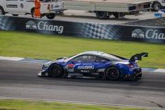 RAYBRIG NSX CONCEPT-GT del GRUPPO KUNIMITSU nelle corse GT500 a Burir Immagine Stock Libera da Diritti