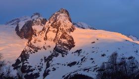 Rayo de sol en montañas Foto de archivo