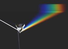 Rayo ligero y arco iris ópticos de la prisma Imagenes de archivo