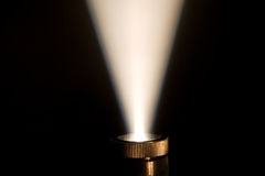 Rayon de lumière d'un projecteur Image stock