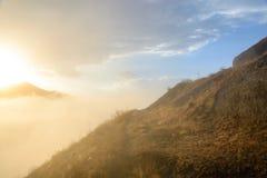 Rayon de soleil de matin dans les montagnes d'Alborz image libre de droits