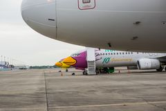 Rayong,泰国- 2017年11月20日:Nok空气飞机在U-Tapao国际机场 免版税图库摄影