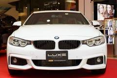 RAYONG, THAILAND - FEBRUARI 18: BMW-auto op vertoning in Laemtong S Royalty-vrije Stock Fotografie