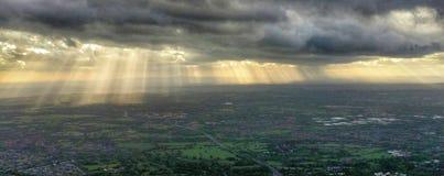 Rayons de soleil au-dessus des Midlands Photos libres de droits