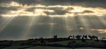 Rayons de soleil de fin de l'après-midi au-dessus de Chambre de moteur, les Cornouailles image libre de droits