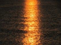 Rayons du soleil au-dessus de la mer Photographie stock libre de droits