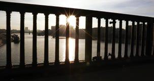 Rayos de la cerca el puente almacen de video