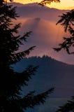 Rayos de la montaña Fotos de archivo libres de regalías