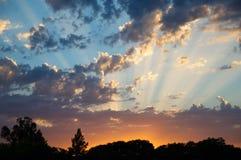 Rayos 2 de la puesta del sol Foto de archivo libre de regalías