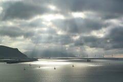 Rayos de sol en el mar Imagenes de archivo