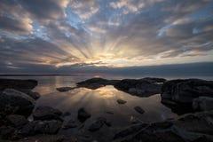 Rayos de sol y su reflexión Imagen de archivo libre de regalías