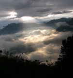 Rayos de Sun, madrugada Imagen de archivo