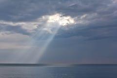 Rayos del sol. Fotos de archivo libres de regalías