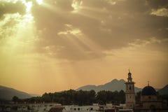 Rayos ligeros sobre la iglesia imagen de archivo libre de regalías