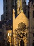 Rayos pasados del sol en la catedral Foto de archivo libre de regalías