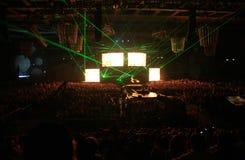 Rayos verdes en la demostración de la noche Fotos de archivo