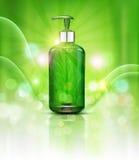 Rays realistiska, gröna genomskinliga flaskor 3d för vektorn med tvålpumpen på grön bakgrund och solen Växt- shampo för kosmetisk stock illustrationer