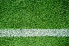 Rayure blanche sur le terrain de football Images stock