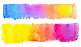 Rayure tirée par la main de brosse de deux arcs-en-ciel d'aquarelle pour créer votre conception illustration libre de droits