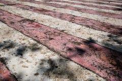 Rayures rouges et blanches superficielles par les agents et port?es photos libres de droits
