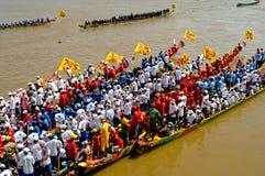 Raza de barco camboyana del agua Fotografía de archivo