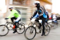Raza de la bici de montaña foto de archivo libre de regalías