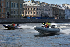 Raza de la fortaleza de Oreshek del maratón del río en St Petersburg, Rusia Imágenes de archivo libres de regalías