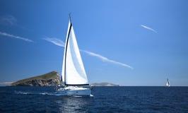 Raza de yate de la navegación, imagen con el espacio para el texto o logotipos Viajes Imagenes de archivo