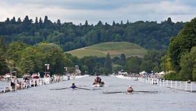 Raza del Rowing en el Regatta de Henley Imagen de archivo
