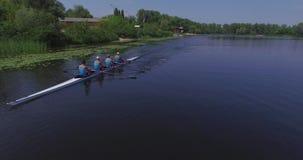 Raza del rowing: Opinión aérea remeros almacen de video