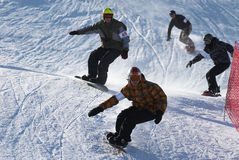 Raza extrema de la snowboard Fotos de archivo libres de regalías