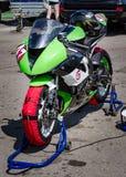 razas de la motocicleta del Carretera-anillo Fotos de archivo libres de regalías