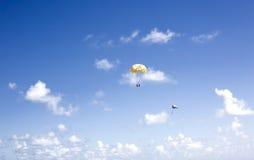 razem parasailing obrazy stock