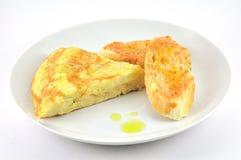 Razioni l'omelette con il pane del pomodoro Fotografia Stock Libera da Diritti