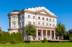 Razumovsky宫殿在一个晴天在巴图林、乌克兰& x28; 1803,曲拱 免版税图库摄影