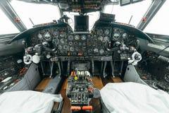 An-24rb all'aeroporto Fotografie Stock