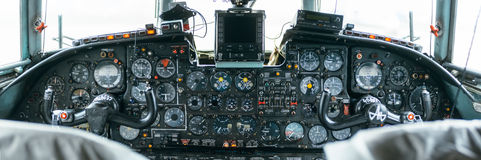An-24rb am Flughafen Lizenzfreies Stockbild