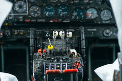 An-24rb am Flughafen Lizenzfreies Stockfoto