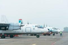 An-24rb przy lotniskiem Obrazy Stock