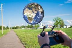 RC ελεγχόμενος πλανήτης Γη του ηλιακού συστήματος Στοιχεία αυτής της εικόνας που εφοδιάζεται από τη NASA στοκ φωτογραφίες με δικαίωμα ελεύθερης χρήσης