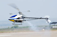 RC直升机模型 免版税库存图片
