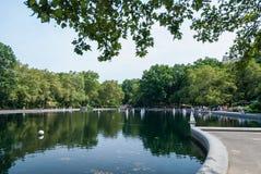 RC łodzie w Central Park jeziorze Obrazy Stock
