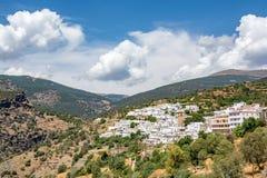 Rcal sikt av Bayà ¡, den högsta lokaliserade staden i Sierra Nevada royaltyfria bilder