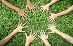 ręce to dziecko Zdjęcia Royalty Free