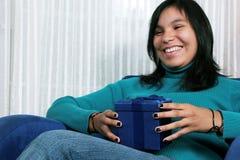 Réception d'un cadeau Photo stock