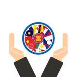 Räcker planlägger ekonomisk gemenskap för ASEAN, AEC i affärsman med gemenskapforum, for gåva in på vit bakgrund Royaltyfri Foto