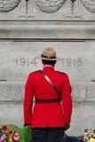 RCMP на день памяти погибших в первую и вторую мировые войны Стоковая Фотография